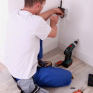 4 Signs You Need a Commercial Electrical Technician